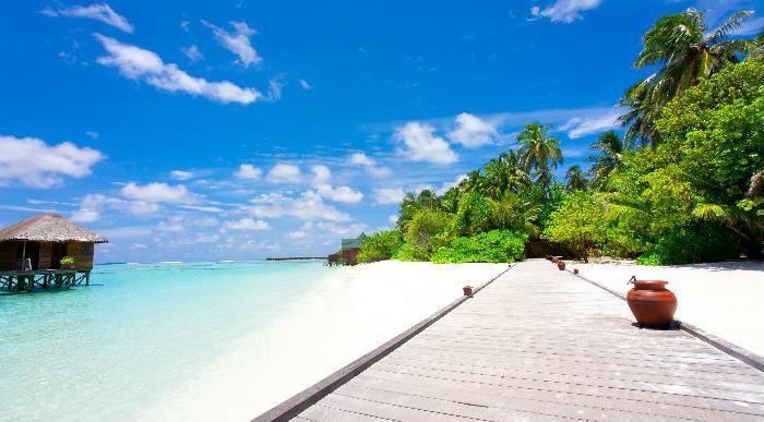 Indonezija-tropska plaza_70155553