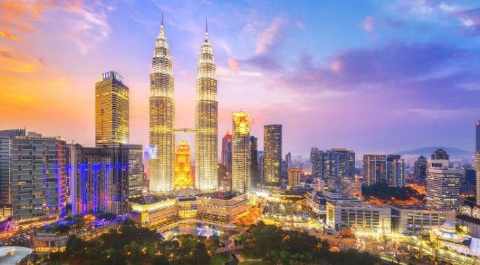 Kuala Lumpur, Malaysia city skyline.-shutterstock_398119093