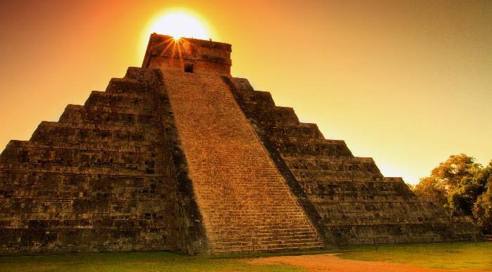 Mehika-majevska piramida