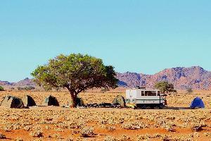 Namibija-kampiranje nekje na poti