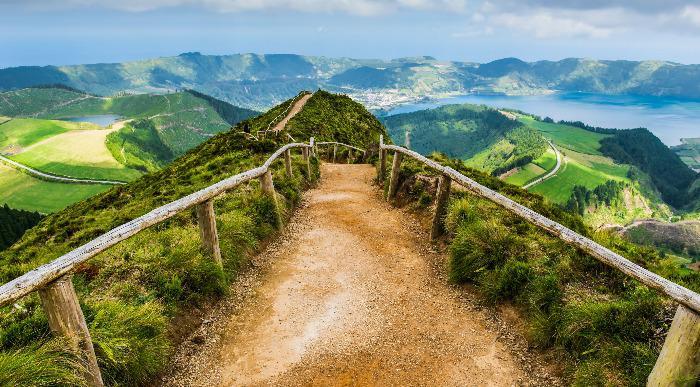 Portugalska - Azori- pogled na jezera Sete Cidades