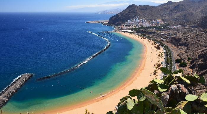 Spanija-Tenerife-plaza Playa de las Teresitas