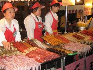 nočna tržnica v Pekingu