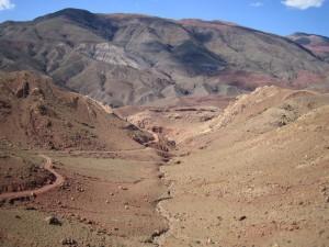 cesta ki to ni 300x225 - Dežela, kjer zahaja sonce (Maroko)