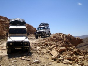 jeep akcija 300x225 - Dežela, kjer zahaja sonce (Maroko)