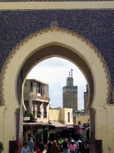 vrata v labirint 224x300 - Dežela, kjer zahaja sonce (Maroko)