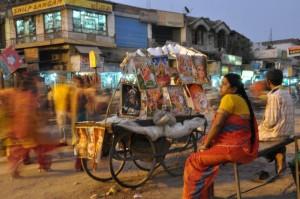 Delhi - ulice kar vrvijo od življenja