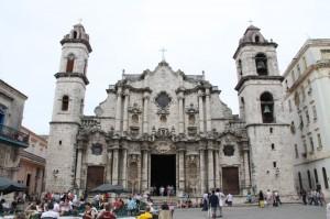 Kuba - znamenita katedrala v Havani-glasba spremenjena v kamen