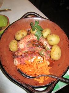 Hobotnica s pečenim krompirjem