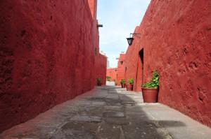 Calle Cordoba, najdaljša in najstarejša ulica v samostanu