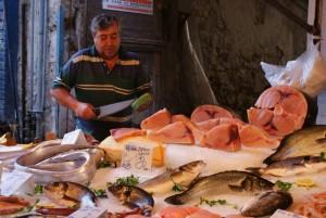 Sicilija-Palermo-trznica-Vucciaria-razkosanje-tune