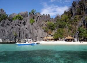Peščena plaža na Filipinih