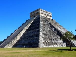 Chitzenitza 300x225 - Po majevskih stopinjah skozi Mehiko, Gvatemalo in Belize