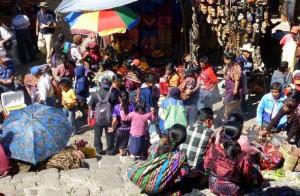 Majevska tržnica 300x196 - Po majevskih stopinjah skozi Mehiko, Gvatemalo in Belize