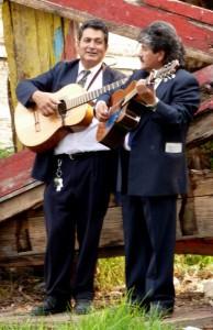 Mariači 194x300 - Po majevskih stopinjah skozi Mehiko, Gvatemalo in Belize