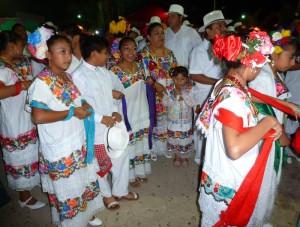Vaška zabava 300x227 - Po majevskih stopinjah skozi Mehiko, Gvatemalo in Belize