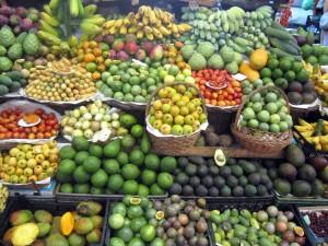 Tropsko sadje na tržnici v Funchalu