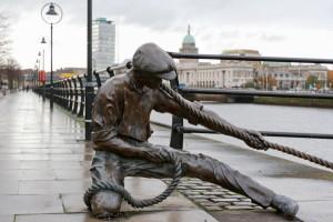 Irska-Dublin, kip ob reki