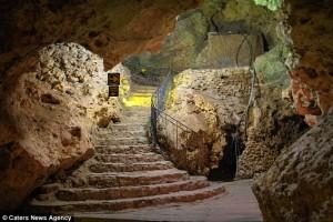 Vstop v jamo
