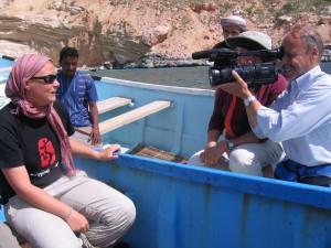 Jemenski časopis, intervju za NBC, kar na čolnu ob obali Socotre