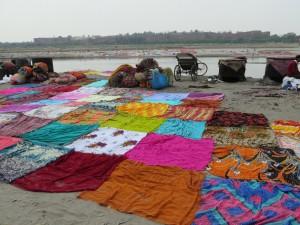 Agra, pranje perila ob reki
