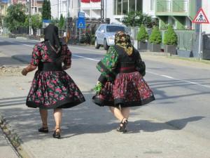 Romunki v tradicionalni narodni noši