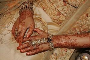 Turška poroka - S kano porisane nevestine roke