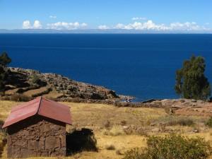 5. Jezero Titikaka 300x225 - 20 razlogov zakaj v Peru