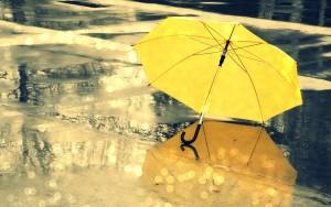 Zložljiv rumen dežnik