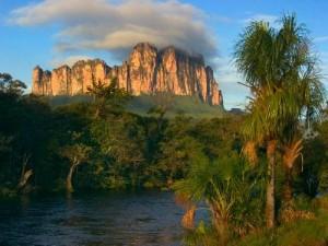 Akopan tepui 300x225 - Venezuela - Izgubljeni svet
