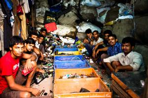 Sortiranje smeti za reciklažo