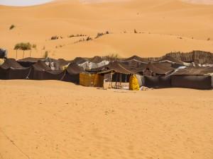 Maroko-kamp v Merzougi_141171283