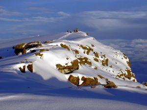 Tanzanija-Kilimanjaro-sneženi vrh